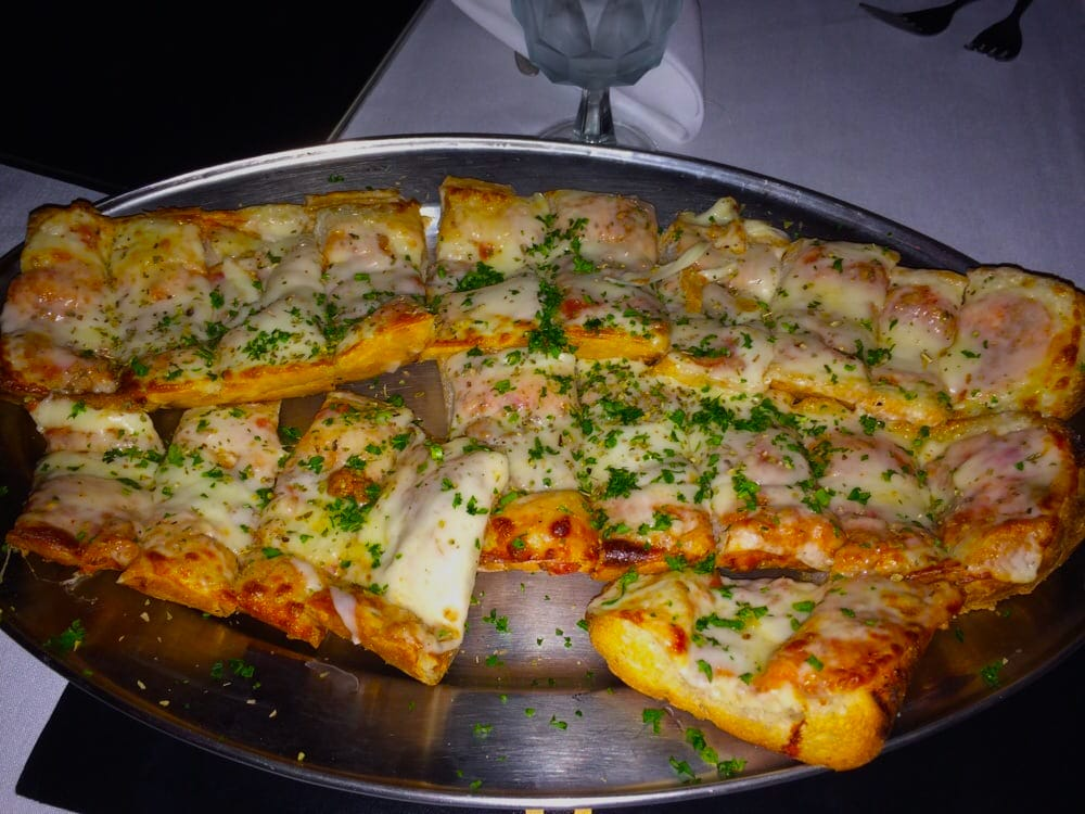 sabatinos-chicago-all-you-can-eat-cheese-bread