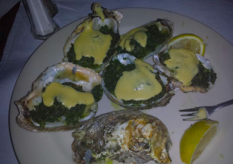 sabatinos-chicago-baked-oysters